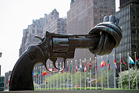 Karl Fredrik Reutersward, Non Violence, New York (UN Photo)